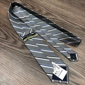 Jos A Bank NWT Grey w/ Blue & White Stripe Tie